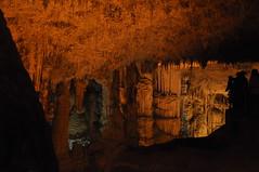 Tra stalagmiti e stalattiti (Starlightworld) Tags: sardegna grotto stalactites stalagmites grotta stalattiti stalagmiti capocaccia grottadinettuno starlightworld