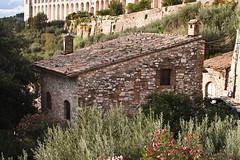 Casebre (Ponciano Jr) Tags: italy canon casa europa europe italia pedra assisi assis chaminé casebre poncianojr osmarponciano opjr16