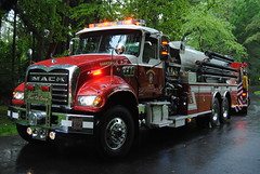 Banksville Independent Fire Department: Tanker 7 (2011 Mack/KME 1500/3500) (zamboni-man) Tags: county news team chief fast police aid ladder sheriff 12 ems tanker westchester mutual pumper whelen quint armonk lohud resxue