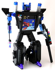 Garhead in robot mode, with weapons. (Baron Julius von Brunk) Tags: nyc lego sonic transformers sega hedgehog genesis knuckles moc gamegear brothersbrick baronvonbrunk juliusvonbrunk