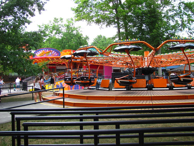 "DelGrosso's Amusement Park 015 • <a style=""font-size:0.8em;"" href=""http://www.flickr.com/photos/32916425@N04/7559724796/"" target=""_blank"">View on Flickr</a>"
