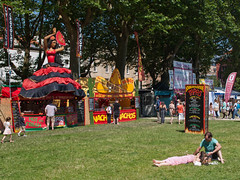 Queens Square (JmGpHoToS) Tags: bristol harbourfestival
