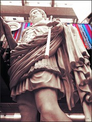 Cesar (edu_izu) Tags: streetart popart escultura monunent