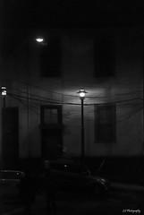 Un telfono viejo de campanilla (.KiLTRo.) Tags: valparaso regindevalparaso chile kiltro night city urban port harbor art architecture light blackandwhite wire house building dark monochrome street