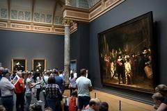 De Toppers (Iam Marjon Bleeker) Tags: amsterdam holland museumplein rijksmuseum nachtwacht rembrandt marten oopje martenenoopje toppers metanjaenlia2016img0223g