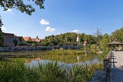 Rothenburger Weiher (M. Franziska D.) Tags: dinkelsbhl herbst rothenburger weiher stadtpark faulturm zwingerhuschen haymarsturm gefngnisturm kleine bastei geschtzturm