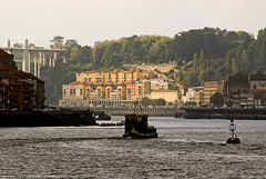 Porto - Portugal (Francisco (PortoPortugal)) Tags: 1822016 20121009fol7825 riodouro douroriver pontedaarrbida arrbidabridge barcorabelo porto portugal portografiaassociaofotogrficadoporto franciscooliveira