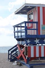Lifeguard hut in Miami Beach (Xavier Desnoyers) Tags: baywatch life guard tower america american miami beach coast red blue white summer sand ocean florida lifeguard hut