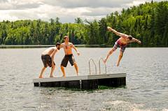 Une journe au lac (bleuvertige) Tags: lacgodon chertsey lac lake jeux play plongeon divejump