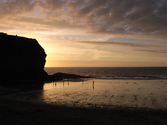 llangrannog (the incredible how (intermitten.t)) Tags: llangrannog ceredigion beach seaside sunset sea sky 20160824 7841