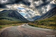 Glencoe (HDR) (MV.photography.) Tags: scotland schottland hdr glencoe mountain berg wolken clouds wolkig cloudy ballachulish alba uk vereinigtesknigreich unitedkingdom glenetive einsam lonesome lonely strase road jamesbond jb 007 skyfall highlands