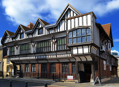 Tudor House (albireo 2006) Tags: uk england hampshire tudor southampton halftimbered tudorhouse