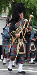 NPW Pipe Band March '12 -- 31 (Bullneck) Tags: washingtondc spring uniform cops police msp parade troopers toughguy americana heroes celtic kilts macho statepolice emeraldsociety nationalpoliceweek statetroopers biglug bullgoons massachusettsstatepolice federalcity pipebandmarch