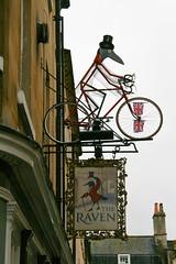 bike in Bath (Maluni) Tags: englandinghilterraukbritainbath bycicles bycicle bici bicicletta biciclette raven cartelli segnali signs