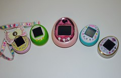 tamagotchi collection! (Greyci Lilaz) Tags: toys tamagotchifriends tamagotchipluscolor tamagotchi4u tamagotchiconection tamagotchips brinquedo tamagotchi