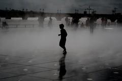water games (e-laboratorio) Tags: francia france vloroutedesdeuxmers cicloviadeiduemari fiume garonna garonne viaggiinbici biketour acqua fontana gioco bambini bambino children bordeaux pontdepierre lemiroirdeau placedelabourse