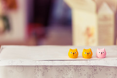 The owl plank (VariedReflections) Tags: owl toy tiny japan sovenier travel happythings bokeh trinket