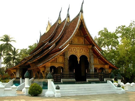 how to get from vientiane to luang prabang