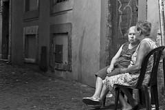 Nunzia e Maria e poi Grazia, Sunta,Carmela (OCEANIABLU) Tags: street old roma women strada centre centro trastevere explore donne talks gossip anziana chiacchere esplora 2012nottepomeriggioserastradetrasteverecentroromatevere