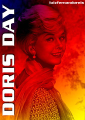 Doris Day cor 01 (Luiz Fernando / Sonia Maria) Tags: cinema art textura beautiful photoshop ads cores advertising glamour pin arte amor cincinnati moda modelos pop hollywood artistas beleza mito popular bela artedigital cor atrizes texturas pinups montagens cartazes artista popstar montagem artistico graciosas feminina filmes dorisday atriz jamescagney gal rockhudson advertisings twitter femininos atress anos1950 anos1960 luizfernandoreis dorismaryannvonkappelhoff dorisdaypetfoundationmulheres