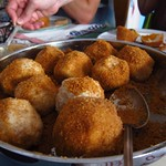 "Marillenknödel <a style=""margin-left:10px; font-size:0.8em;"" href=""http://www.flickr.com/photos/14315427@N00/7535040004/"" target=""_blank"">@flickr</a>"
