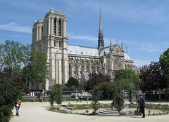Notre Dame Cathedral from the Place Ren Viviani-Montebello on the Left Bank, Paris (Hunky Punk) Tags: paris france architecture cathedral squares gothic churches notredame cathdrale leftbank rivegauche hunkypunk spencermeans placerenviviani