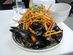 Tini's Moules Frites (Visa for Violet) Tags: music food providence cocktails bastilleday