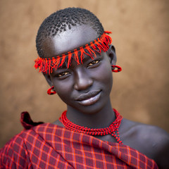 Miss Domoget, Bodi Tribe Woman With Headband, Hana Mursi, Omo Valley, Ethiopia (Eric Lafforgue) Tags: africa red woman haircut art girl beautiful beauty face one necklace colorful day earring culture jewelry adobe beautifulwoman omovalley colourful ethiopia ethnic hairstyle beautifulpeople headband tribo jewel determination confidence headwear hornofafrica ethnology bodi theface omo eastafrica thiopien cutre etiopia ethiopie etiopa colorimage lookingatcamera beautify 7520 meen headandshoulder  etiopija africanethnicity ethiopi  etiopien etipia  etiyopya          ethiopianethnicity hanamursi eth7520