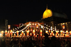 bOn fEstivAL (miyomiyoko) Tags: bonfestival festival fes japan tokyo temple night light lights summer dance bonfestivaldance bondance lantern lanterns warmlight dancer yukata