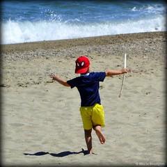A l'assaut des vagues (bleumarie (+ de 3 000 000 vues. Merci !)) Tags: carr formatcarr
