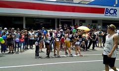 Coreografía/Choreography (vantcj1) Tags: baile coreografía gente multitud edificio calle acera urbano lgbti derechos igualdad diversidad marcha manifestación orgullo