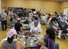 160809-N-LV456-102 (Fleet Activities Yokosuka) Tags: yokosuka japan culturalexchange cooking communityrelations curry gyoza suwaelementary