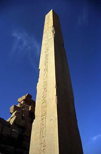 "Ägypten 1999 (309) Karnak-Tempel: Obelisk der Hatschepsut • <a style=""font-size:0.8em;"" href=""http://www.flickr.com/photos/69570948@N04/28799456381/"" target=""_blank"">View on Flickr</a>"