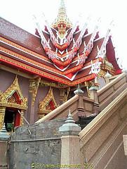 All the intricate work, but not the temporary gate ! Wat Bang Hua Suea, Moo 8, Phra Pradaeng, Samut Prakan Province, Thailand. (samurai2565) Tags: watbanghuasuea moo8 banbanghuasuea tambonbanghuasuea amphoephrapradaeng samutprakan samutprakanprovince thailand templesinsamutprakan