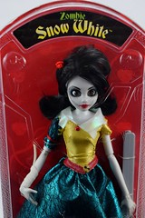 Zombie Snow White Doll by WowWee - Amazon Purchase - Boxed - Midrange Front View (drj1828) Tags: zombie onceuponazombie doll 11inch snowwhite articulated posable princess wowwee