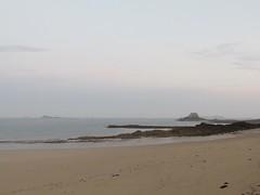 Lever de soleil (Bassin Duguay Trouin) (saintmalojmgphotos) Tags: plage saintmalo 35400 35 couch soleil lune coucher mer mare sable brume
