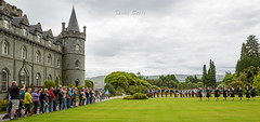 Rob Roy Pipe Band & Highland Dancers at Inveraray Castle / Scotland (SANDIE BESSO) Tags: panorama view boys sky sandiebesso sandiebessophotography paysage 5dm3 canon 1635mm wideangle grandangle field champ cloud contrejour againstthelight fleur leaf feuilles longexposure longshot expositionlongue blue transparency paysagiste landscape doubleexposure multiexposure bokeh purple pink nature champs sunset loch lake lac mer sea seaside seashore bateau boat pier port gourock batterypark pelouse tree arbre highlands silouhette hill mountain ecosse scotland luss glasgow chateau castle inveraray bagpipe bagpiper cornemuse kilt robroy show band dancer music musicians robroypipebandhighlanddancers colorful multicolor