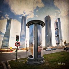 (312/16) La quinta torre (Pablo Arias) Tags: pabloarias photoshop nxd cielo nubes texturas arquitectura columna airelibre cuatrotorres rascacielos madrid comunidaddemadrid