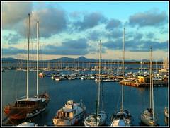 Il porto di Alghero prima del tramonto. (antonè) Tags: sardegna mare barche porto riflessi molo lampioni alghero antonè worldwidelandscapes angolidisardegna ruby5