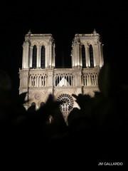 Paris - Notre Dame de noche (Polycarpio) Tags: paris france notredame notre dame poly francia gallardo polycarpio fotosdeparis jmgallardo fotosdefrancia juanmanuelgallardo polygallardo juanmgallardo
