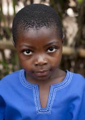 Btawa kids in Cyamudongo area - Rwanda (Eric Lafforgue) Tags: africa cute girl outdoors kid child sweet tribal rwanda afrika tribe enfant fille douce commonwealth twa oneperson ethnicity afrique pygmy tribu eastafrica pygmee batwa ethnologie lookingatcamera centralafrica joile 2143 kinyarwanda ruanda ethnie indigenousculture ethny afriquecentrale רואנדה 卢旺达 regardcamera 르완다 盧安達 republicofrwanda руанда رواندا ruandesa cyamudongo
