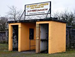 Valefield Park, Kilbirnie (poity_uk) Tags: yellow scotland football gate fussball stadium soccer entrance juniors stadion futebol voetbal park calcio ayrshire footballground kilbirnie fitba kilbirnie ladeside blasties yoker athletic valefield