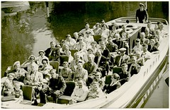 Paddan Canal Boat Ride, Gothenburg, Sweden, July 1957 (Alan Mays) Tags: old men vintage gteborg boats souvenirs women photos sweden schweden gothenburg july canals ephemera photographs 1950s postcards 1957 rides sverige tours groups foundphotos paddan canalboats rppc souvenirphotos realphotopostcards paddancanalboats paddanboats