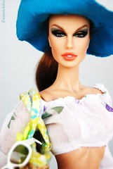 Fashion Night Out Luchia In Summertime (Pumuckito) Tags: fashion doll collectible exclusive royalty fr2 luchia