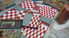 checkerboard time (faustchobits) Tags: lego mursten brick 60er 1960 1965 7000 700series 7003a 7004 ukversion redwhite bricks vintage checkerboard 60s 700
