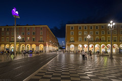 Place Massna (Tim Boric) Tags: nice placemassna avond bluehour night tram tramway streetcar strassenbahn nizza