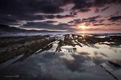 (ManuMatas) Tags: zumaia azkorri gipuzkoa puestadesol ocaso roca color landscape paz calma sosiego tranquilidad
