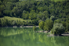 Penne - Le sponde del Lago (Andrea di Florio (Thanks for 6,000,000 views)) Tags: andreadiflorio abruzzo pescara penne nikon d600 7020028 cielo luna campo nuvole nubi camminare vacanza