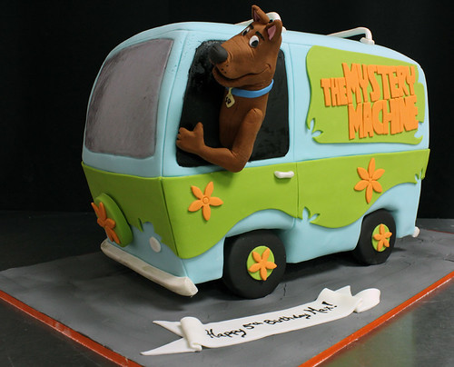 Mystery Machine Scooby Doo Cake