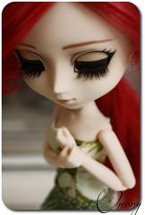 new dress, new pics (ʚ(^ω^)ɞ TWiNKLESPRiNKLE ʚ(^ω^)ɞ) Tags: red cute green beautiful garden hair person photo nice eyes doll pretty dolls dress gorgeous pray picture tiny kawaii pullip realistic obitsu junplanning grell